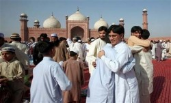 ruethilalcommittee-eid-pakistan-shawwal-moon-sighted_8-9-2013_112898_l