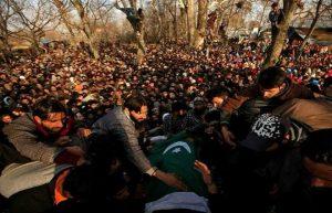 مقبوضہ کشمیر میں شہید 11 نوجوانوں کی نماز جنازہ میں ہزاروں افراد کی شرکت