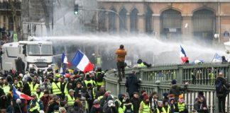 فرانس میں پیلی جیکٹ والوں کا احتجاج اٹھارہویں ہفتے میں داخل