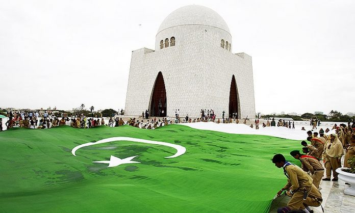 پاکستان بھر میں جشن یوم آزادی کشمیریوں کے ساتھ اظہار یکجہتی کے طور پر منایا جا رہا ہے