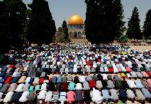 مسجدالاقصی کی نماز جمعہ میں دسیوں ہزار فلسطینیوں کی شرکت