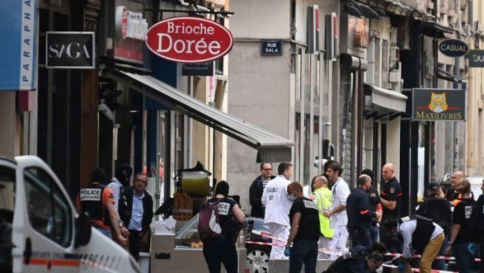 فرانس میں دھماکہ13 افراد زخمی