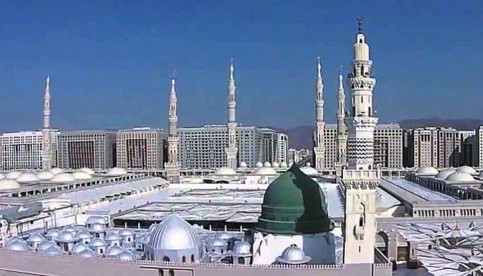 حرم نبوی ﷺ کھلنے کے بعد نماز جمعہ میں ایک لاکھ سے زائد نمازیوں کی شرکت